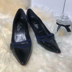 EUC BUTTER Black patent leather & blue suede heel